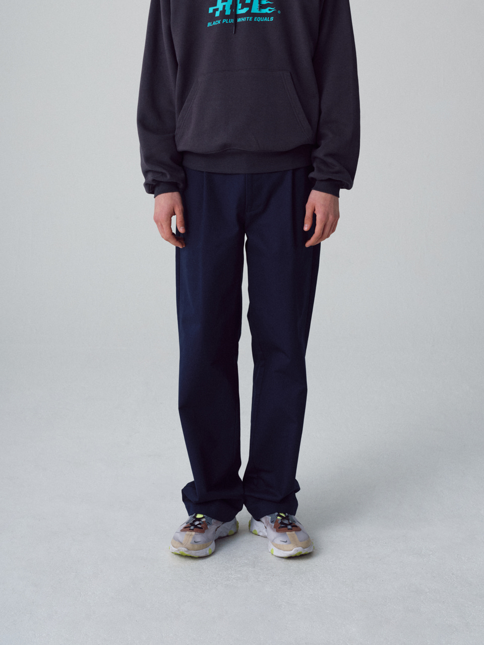 그레이휴WES SEMI WIDE CHINO navy