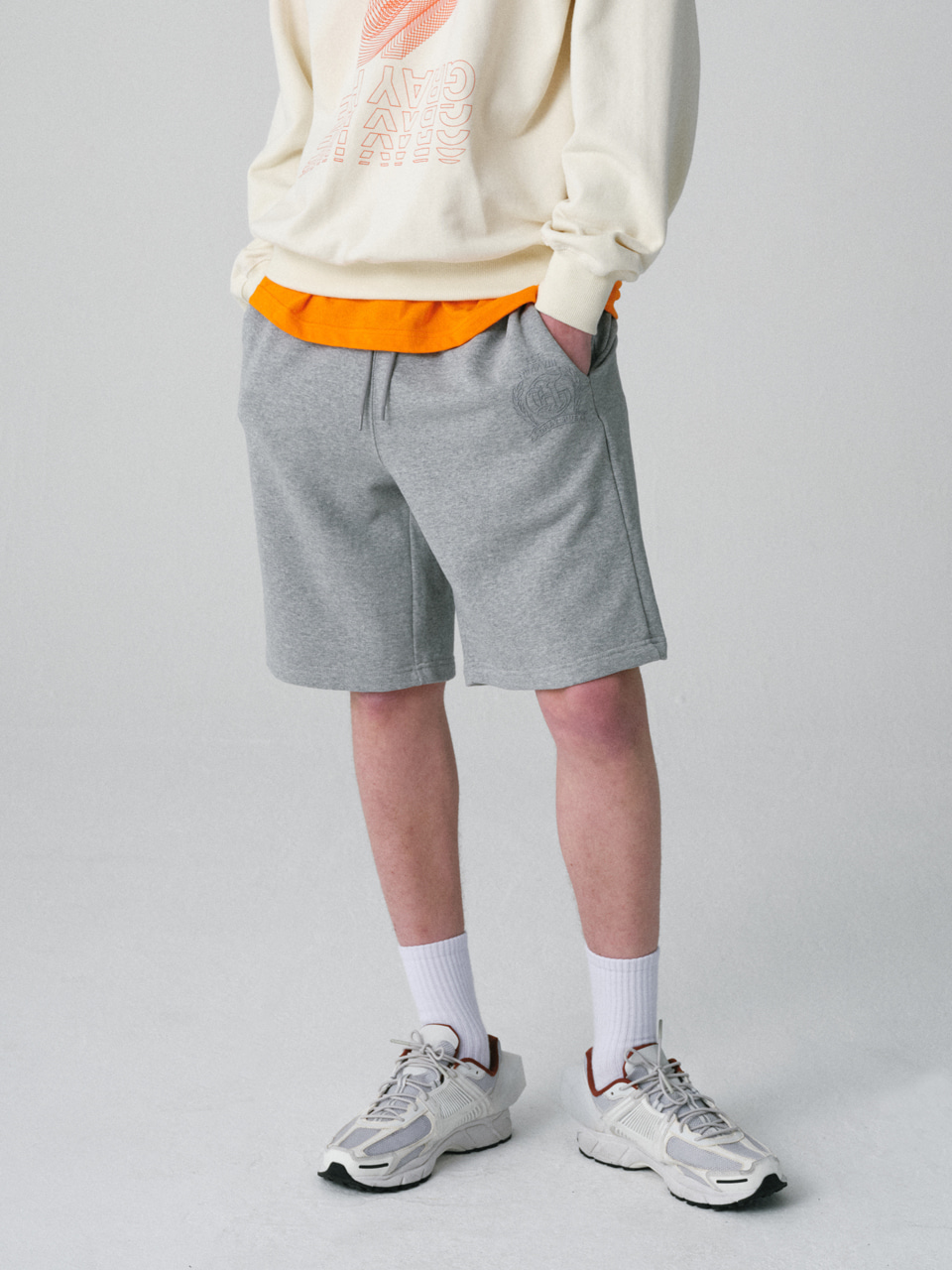 그레이휴EMBLEM SWEAT SHORTS medium gray