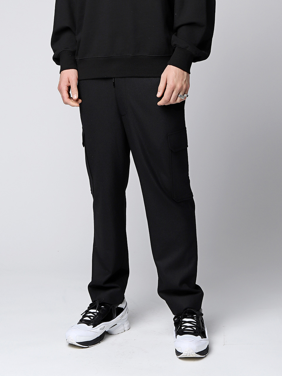 그레이휴Loose fit wool cargo, Black